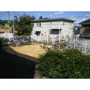 ガーデンアベニュー荏田東A棟 物件写真3 駐輪場