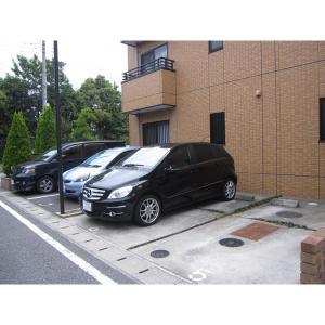 スリー・ティー 物件写真4 駐車場