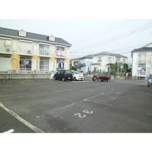 KAIハウスE棟 物件写真2 駐車場