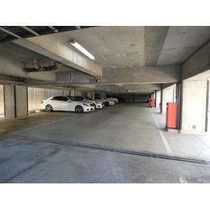 エポック新横浜 物件写真3 駐車場