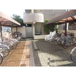 エポック新横浜 物件写真2 駐輪場