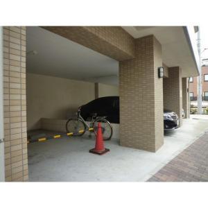 ベルヴィ大山 物件写真5 駐車場