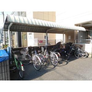 パールハイツ絹川 物件写真5 自転車置き場