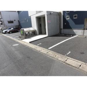 フロラシオン 物件写真5 駐車場
