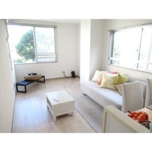 サニーサイド須角 部屋写真1 居室・リビング
