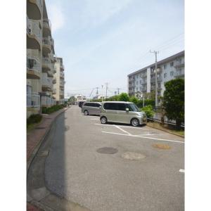 京成サンコーポ谷津A棟 物件写真4 駐車場