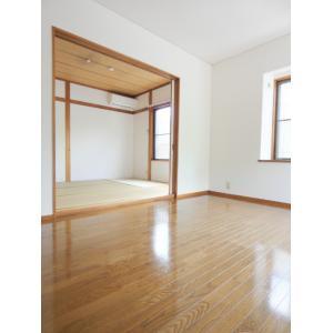カーサ多摩ビバリーヒルズ 部屋写真1 居室・リビング