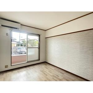 プリメーラ 部屋写真1 居室・リビング