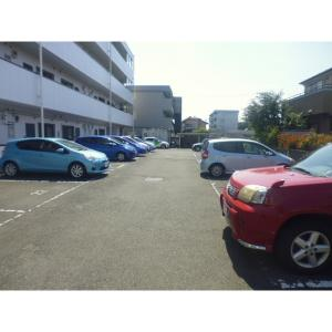 αNEXT上小出第1 物件写真3 駐車場