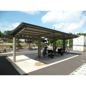 ベルラ 物件写真3 駐輪場