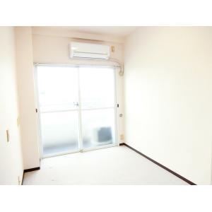 トップルーム横浜 部屋写真1 居室・リビング