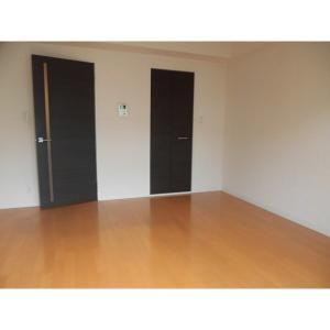 Pine's Residence 部屋写真1 居室・リビング