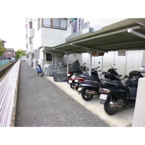 ヴィラ中浦和B棟 物件写真4 バイク置き場