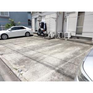 ホワイトコーポ 物件写真3 駐車場