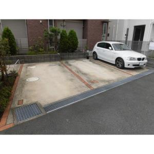 オレリア 物件写真4 駐車場
