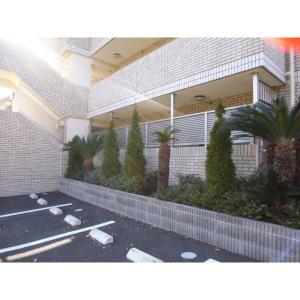 ボン・シック成田 物件写真4 駐車場