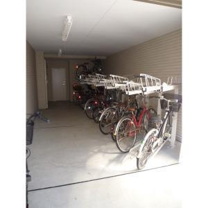 プラトー・ノブ-A 物件写真5 駐輪場