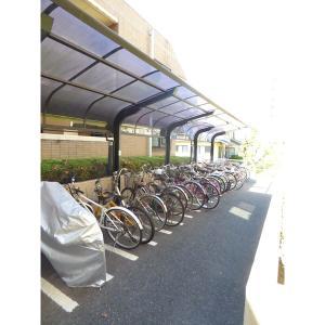 ケンジントンコート成田 物件写真5 駐輪場