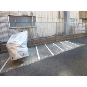 タウンハウス日吉K 物件写真4 駐車場
