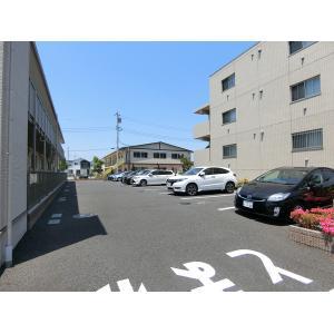 ヴァン・リジェル 物件写真4 駐車場