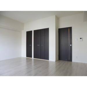 コル クラージュ横濱 部屋写真1 居室・リビング