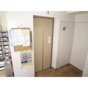 川野マンション 物件写真4 エレベーター