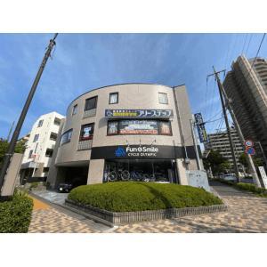 ベルディ篠崎物件写真11階は自転車屋さんです。