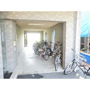 プレデュノール 物件写真2 駐輪場