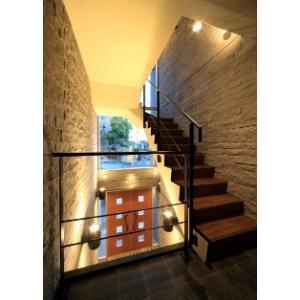 Solid Qualia D'2 物件写真3 窓が多く明るい廊下