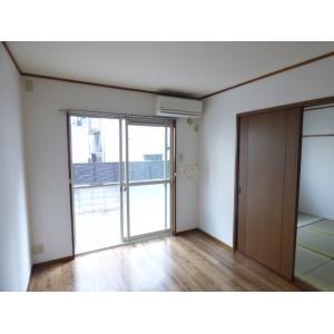 エルハイム 部屋写真1 居室・リビング