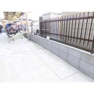 メゾン・ド・カトル 物件写真3 バイク置き場