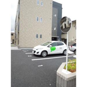 メゾン・ド・カトル 物件写真5 敷地内駐車場