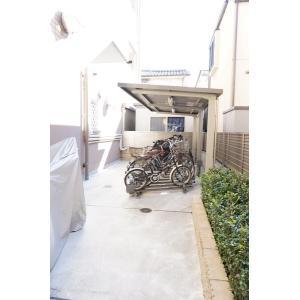 スカトラ ゾーロ 物件写真5 駐輪場