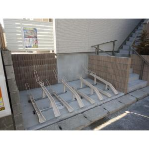 プリマベーラ 物件写真2 1世帯2台の駐輪場