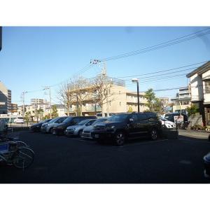 グランフィールド松江 物件写真5 駐車場