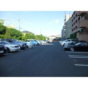 Wish Square 物件写真4 駐車場