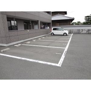 高松市林町 アパート 物件写真2 駐車場