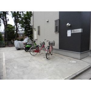 ノーブレ 物件写真5 駐輪場