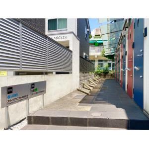 ラホーヤ野方 物件写真3 赤と青のコントラスト