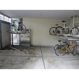 アイアージュ日野 物件写真2 駐輪場・バイク置き場