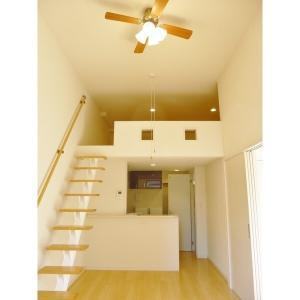 カスティーロ高幡不動物件写真1建物外観
