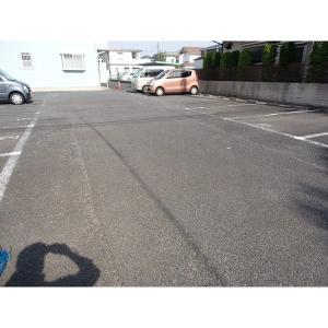 パークサイド上原 物件写真2 駐車場