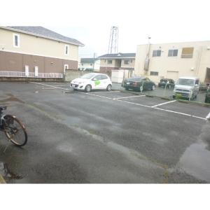スカイフィールド 物件写真5 駐車場