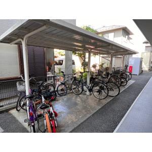 シャン・ド・フルールA 物件写真4 屋根付き駐輪場