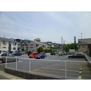 フラワーレジデント 物件写真3 駐車場