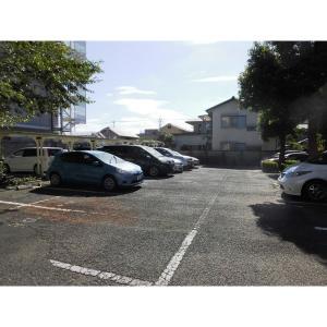 さくらヴィレッジ 物件写真3 駐車場