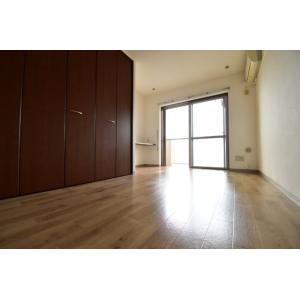 ベルデュール神代千葉 部屋写真1 居室・リビング