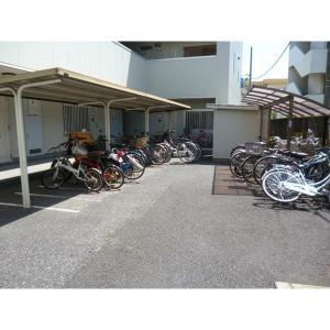 インペリアルコート 物件写真3 駐輪場