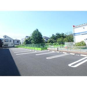 スカイレオ 物件写真3 駐車場