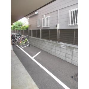 ウッドパレス駒岡 物件写真5 有料バイク置場あり